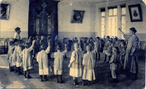 Кто придумал детский сад?