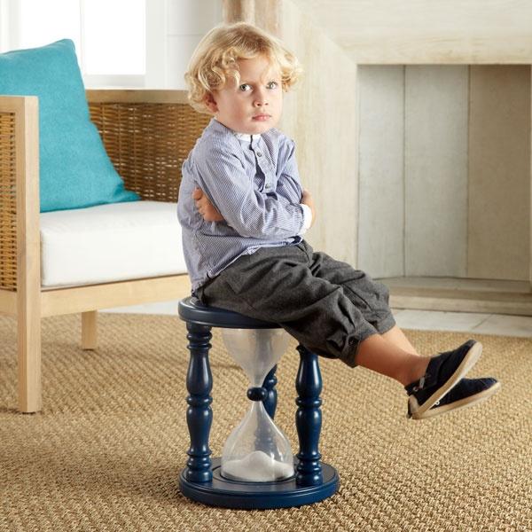 Гигантские песочные часы или лучший стул для непоседы