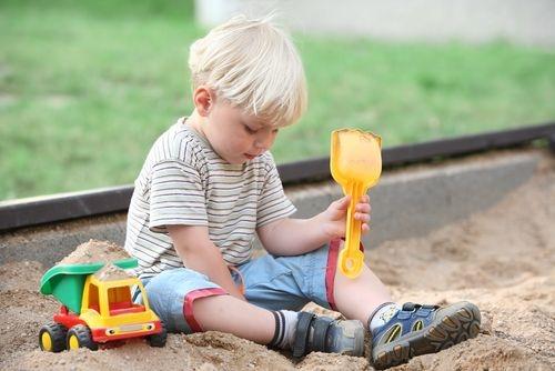 Игры в песочнице от 2 до 3 лет. Подвижные игры дома и на улице