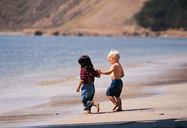 Оказание первой помощи ребенку при солнечных ожогах