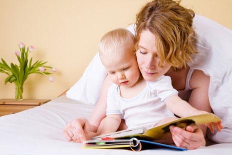 Почему ребенок портит книжки?