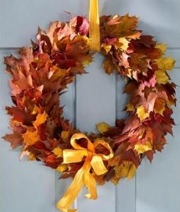 Декоративные венки из осенних листьев